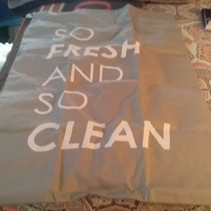 So fresh and so clean divided laundry bag